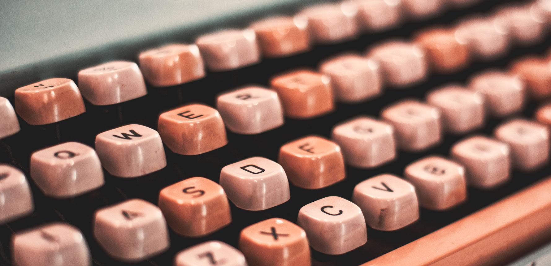 retro-typewriter_1780px